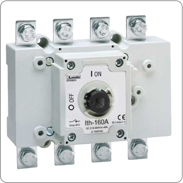 Four-pole switch disconnectors with fuse holder