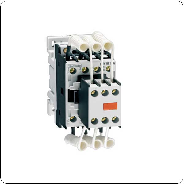 Contactors for power factor correction with AC control circuit